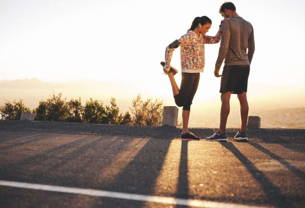 Cómo deben calentar los runners para evitar dolores de rodillas