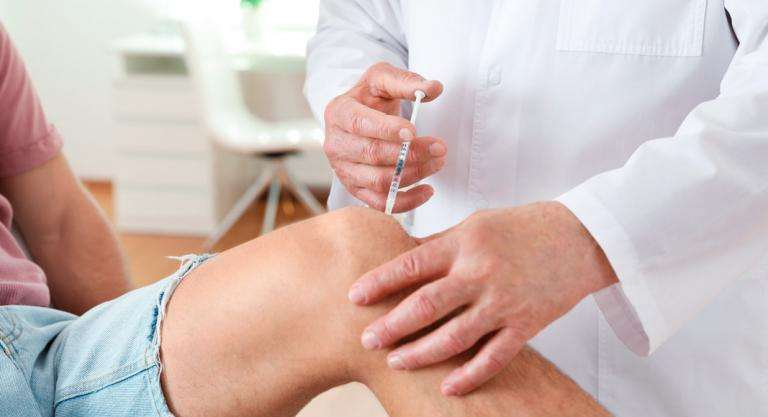 Tratamento de artrite de xeonllos con ácido hialurónico